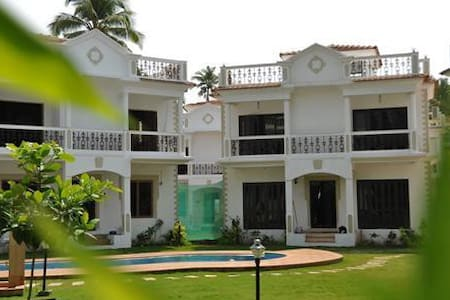 Super Deluxe 3 Bedroom Bungalow in Calangute, Goa, Property 4