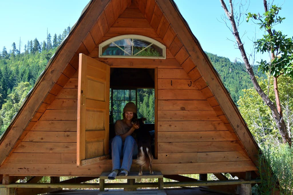 A frame rustic off grid cabin cottages for rent in for Airbnb cabins california