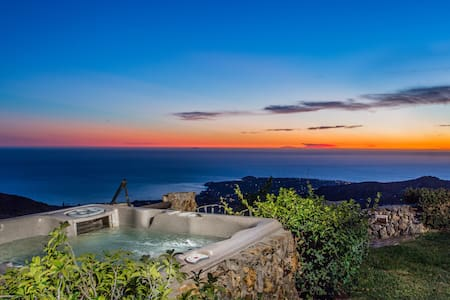 VINEYARD AND VIEWS - Malibu Estate