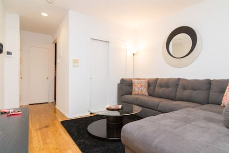 Beautiful 2 bedroom Times Square