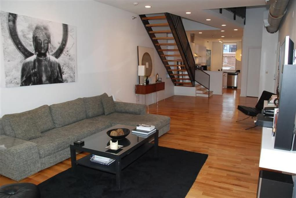 Private BR/BA in HUGE loft downtown