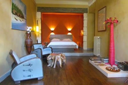 Bohobé Naboty Chambre d'hôte franco - Bed & Breakfast