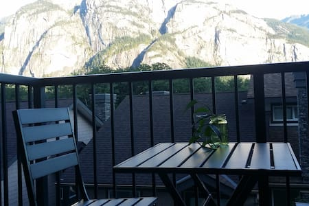 Private room with a beautiful view! - Appartement