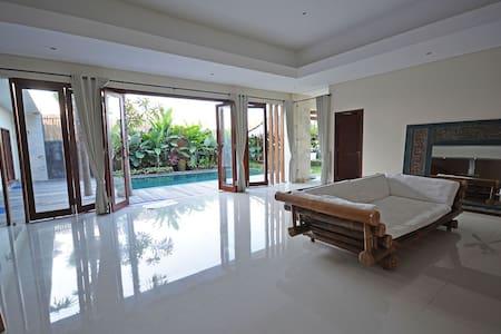 Luxury Room in Canggu Villa
