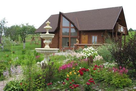 Уютный гостевой дом на природе - Huis