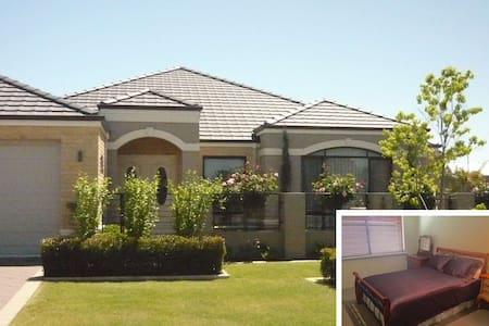 Immaculate home, close to Murdoch hospital and uni - Haus
