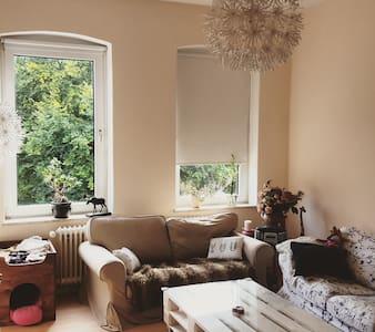 Gemütliche 3 Zimmer Wohnung - Lägenhet