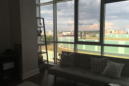 Penthouse with Capitol Views