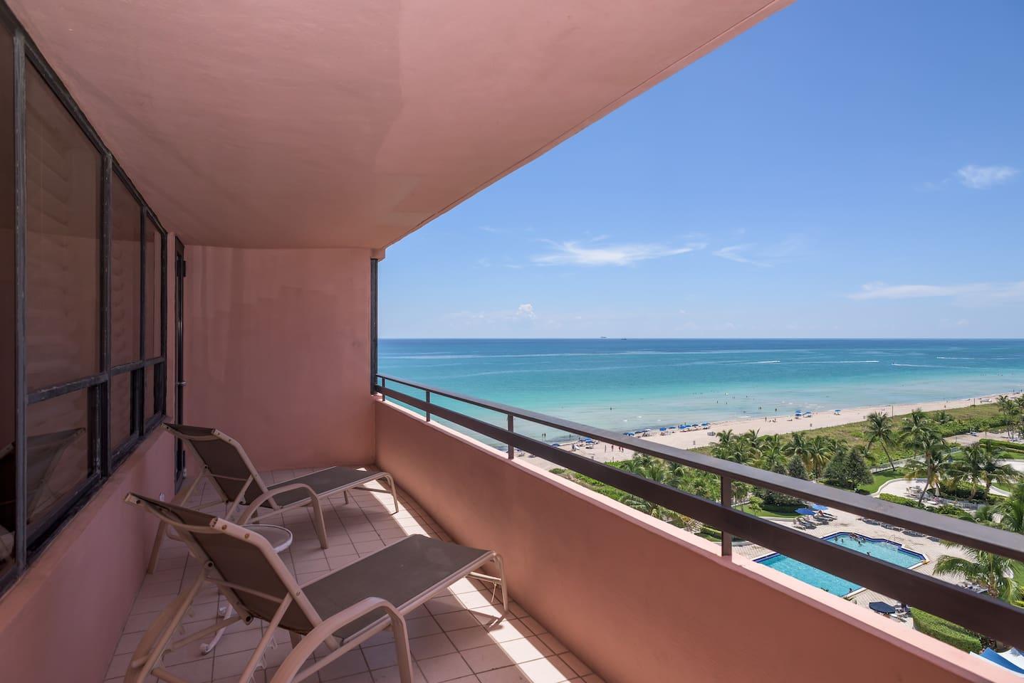 1203 Amazing Hotel-Apt on the Beach