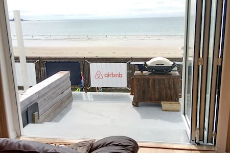 Self-catering, Beachside Apartment.