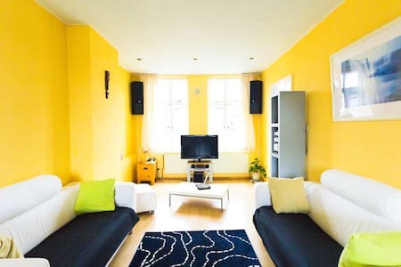Furnished flat in heart of Hague