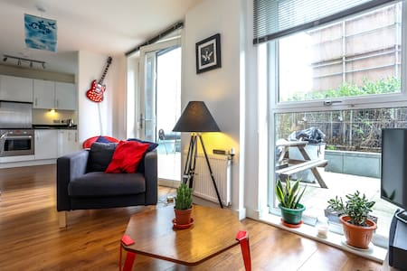 Spacious Modern Apartment EC1