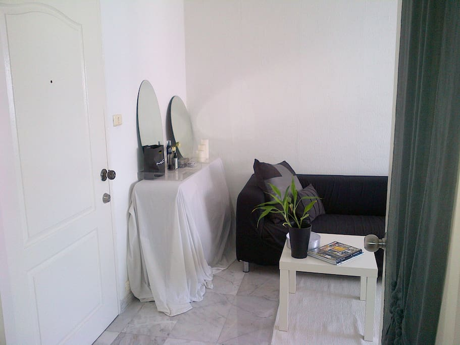 entry into guest room, dressing table and sofa