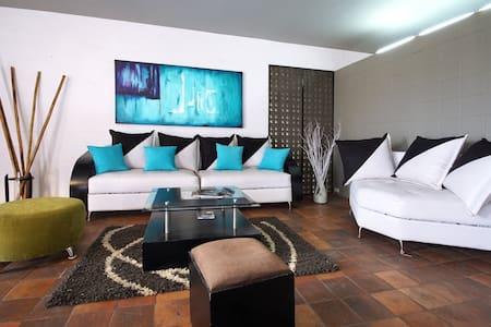 Cali Colombia Modern Loft in Oeste - Cali - Apartment