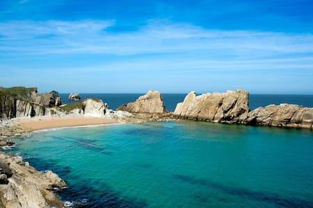 Chalet en la playa Arnía-Covachos - Xalet