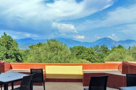 Appartamento con terrazza panoramica - Wohnung
