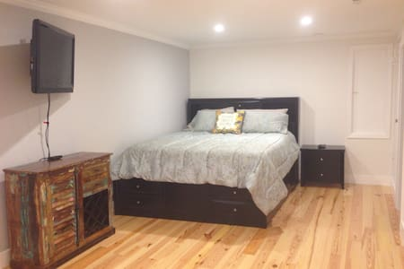Beautifully remodeled studio apt - Fairfax - Квартира