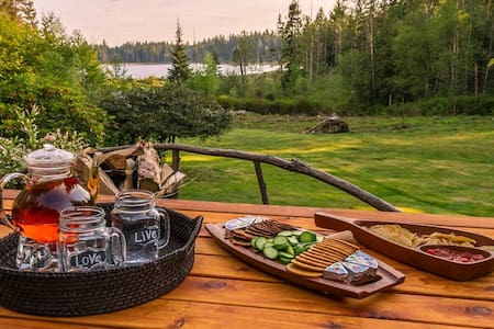 Private Luxury Camping on Lake :)