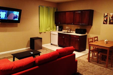 Private Basement Apartment - Castle Rock