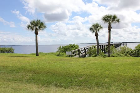 Waterfront Port Charlotte Condo - Appartement