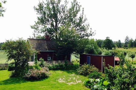 Cottage on organic farm - Mariestad - Chalet