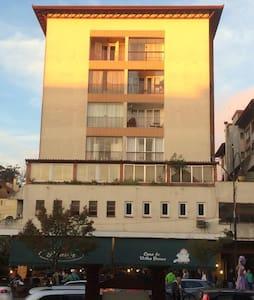 Apartamento na RUA COBERTA!!