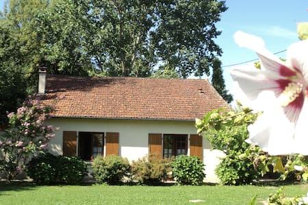 Maison de charme Les Bruyères - Haus