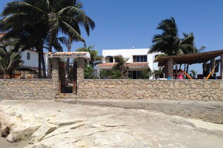 Beachfront villa in Punta Blanca