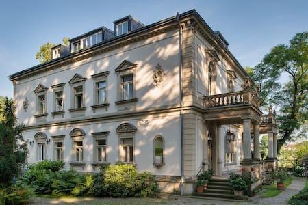 """Villa Anna Dresden, """"Gartenblick"""" - Dresden - Apartment"""