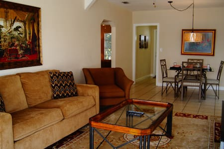 CLEARWATER BAY CLUB DIRECT WATERFRONT 2 BED VILLA - Clearwater Beach
