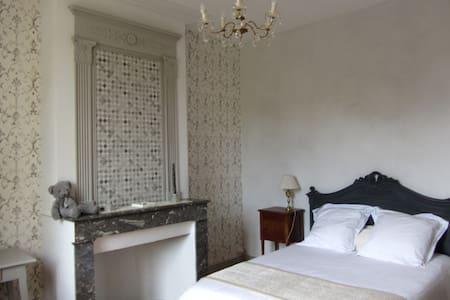 Chambres de Charme au bord de l'EStey - Dom