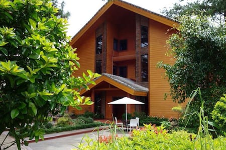 Unit A3, forest cabin, camp johnhay - 바기오 - Appartement