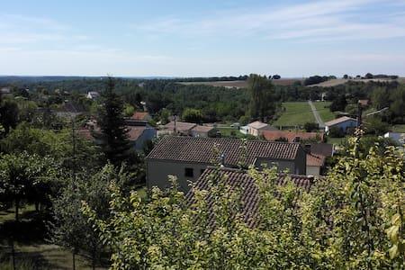 Maison au calme avec piscine (Lot) - Castelnau-Montratier - Villa