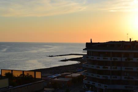Penthouse on seafront near Rome - Ladispoli - Apartment