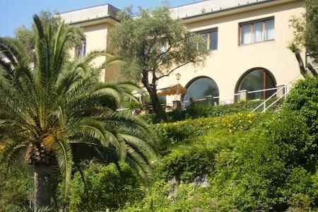 Villa del 600' al centro del Golfo del Tigullio - Zoagli - Villa