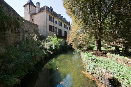 Medieval B&B in Autoire, Dordogne Valley, France - Autoire