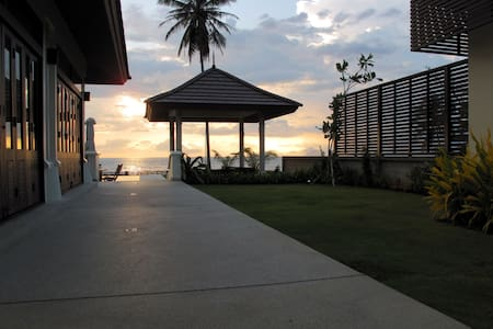 Luxury Villa on secluded beach - Tambon Ao Nang - Villa