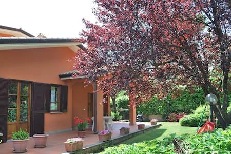 Appartamento indipendente in villa vicino Roma - Fonte Nuova - Lejlighed