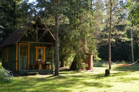 Small forest EcoHouse - Hut