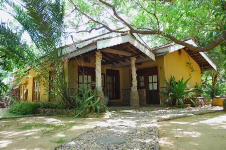 Gem River  Edge eco home and safari - Yala NP, Kataragama