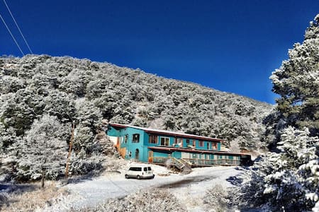Cloudcroft Hostel - Women Bunk 1 - Mountain Park - House
