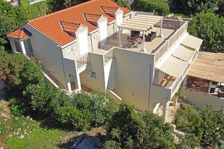 A spacious seaside apartment (2) - Wohnung