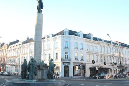 Luxe app. in Maastricht Centrum