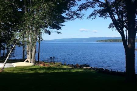 Fabulous Sacandaga lakefront Home! - Ház