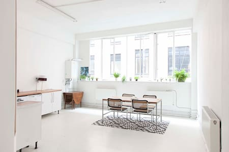 Room in Warehouse Conversion - Londres - Loft