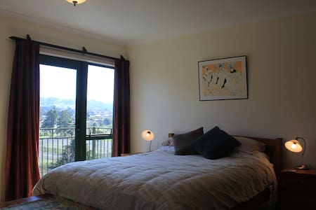 Double bedroom with en-suite, & attached single in separate alcove. 3rd guest is extra $30 per night. Single available optionally at $60 per night. Spacious and comfortable with private balcony and great views. Full breakfast included.