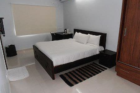 Homely Rooms Close To Gachibowli - Hyderabad - Wohnung