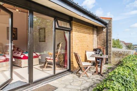 Annexe Garden Flat - House