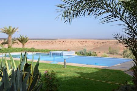 logement indépendant avec piscine - Ouarzazate