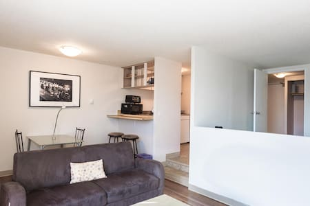Beautiful 1 Bdr Dwntwn Highrise 826 - Wohnung